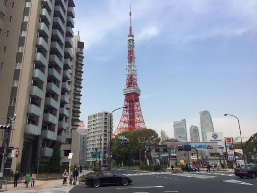東京タワー(赤羽橋交差点から)