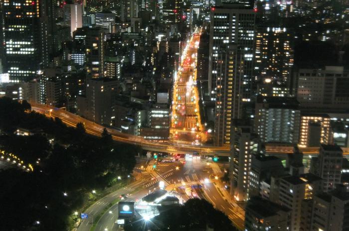 三田商店街(三田通り)x 東京タワー 街路灯にカラーLED搭載でイルミネーションリンク!